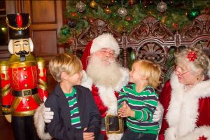 Santa and Mrs with kids Ebell 2014